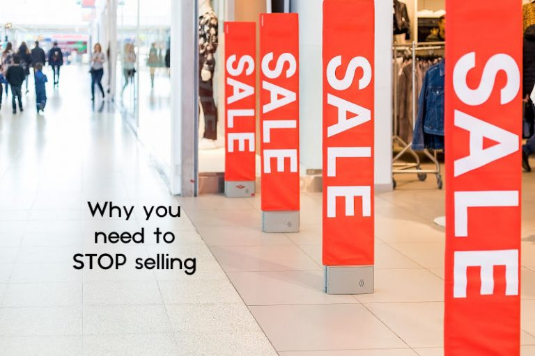 Discount Online Shopping Commercial Click Concept